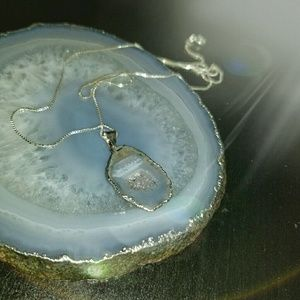 Jewelry - Silver Plated Natural Agate Pendant